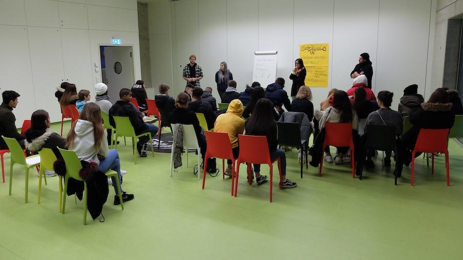 Jugendhaus Versammlung Rückblick